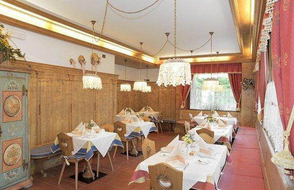 The restaurant Val di Zoldo - Pecol Meublè La Baita