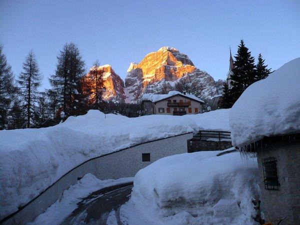 Foto esterno in inverno La Caminatha