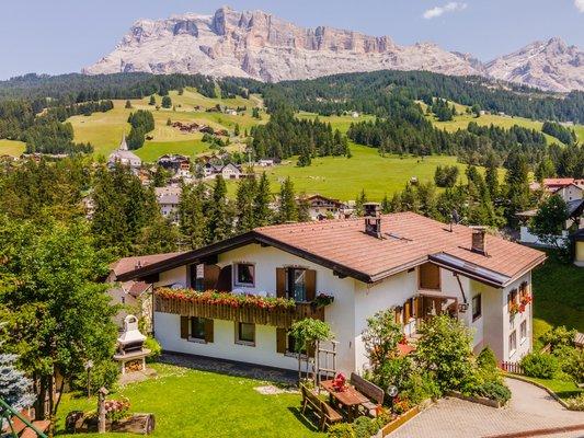 Foto estiva di presentazione B&B + Appartamenti Villa Gumina