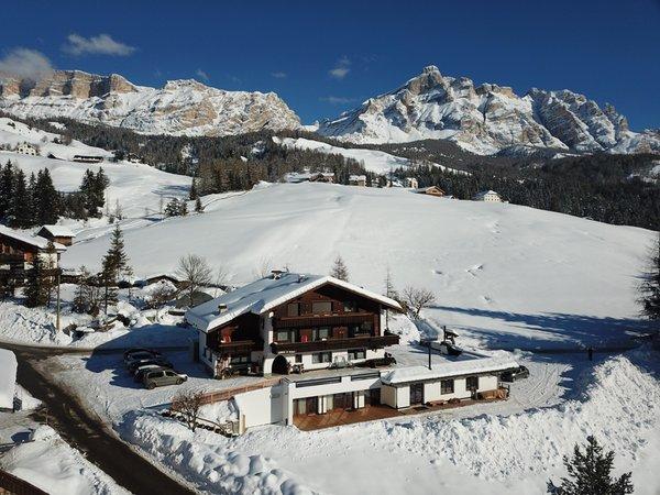 Foto esterno in inverno Roda de Ciar