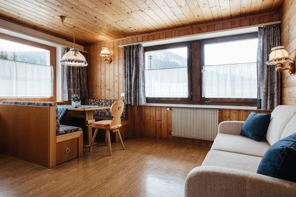 Der Wohnraum Ferienwohnungen Roda de Ciar