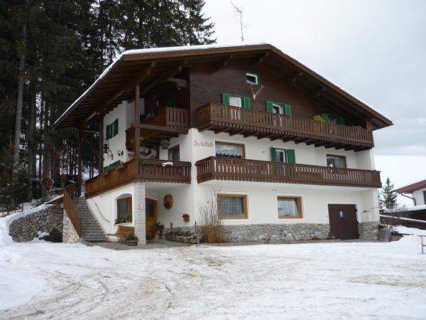 Winter Präsentationsbild B&B + Ferienwohnungen Scoiattolo