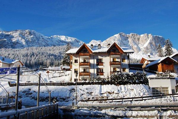 Foto esterno in inverno Chalet Alla Cascata