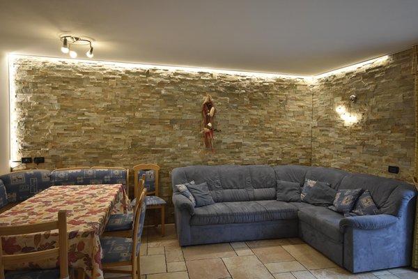 La zona giorno Appartamenti Chalet Alla Cascata