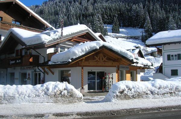 La Zondra - Noleggio sci  Canazei