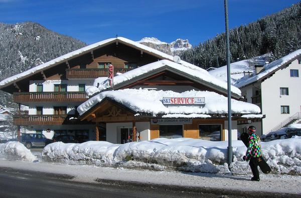 Foto invernale di presentazione La Zondra - Noleggio sci