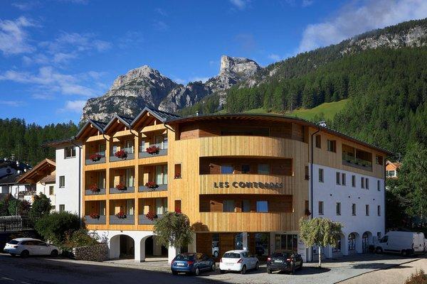 Foto estiva di presentazione Apartments Les Contrades