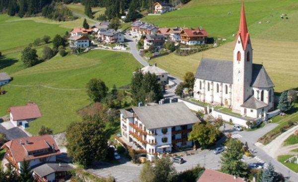 La posizione Hotel Kirchenwirt Dobbiaco