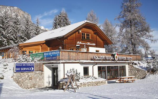 Photo exteriors in winter Scuola Sci & Snowboard di La Villa