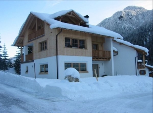 Winter presentation photo Apartments Romantik House La Perla
