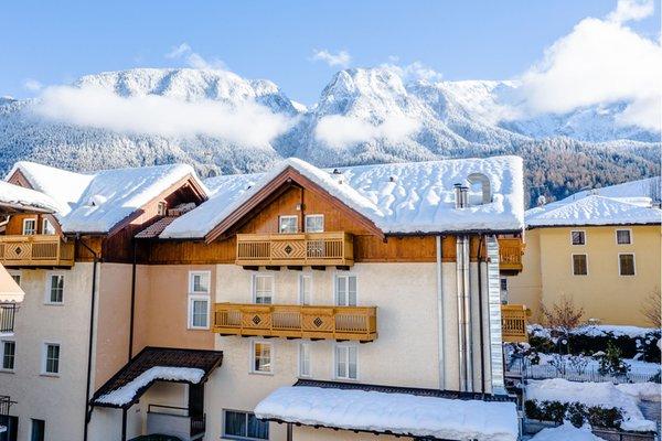 Foto esterno in inverno Albergo Dimaro