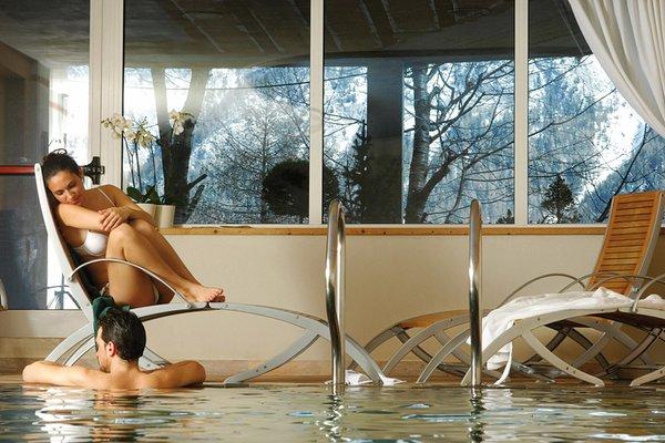 La piscina AlpHotel Taller Wellness & Sport - Hotel 4 stelle