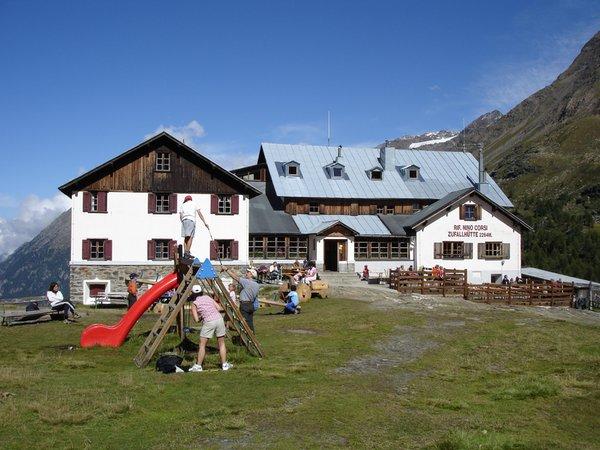 Sommer Präsentationsbild Rifugio Nino Corsi / Zufallhütte