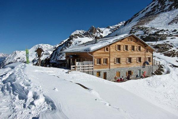 Winter Präsentationsbild Marteller Hütte