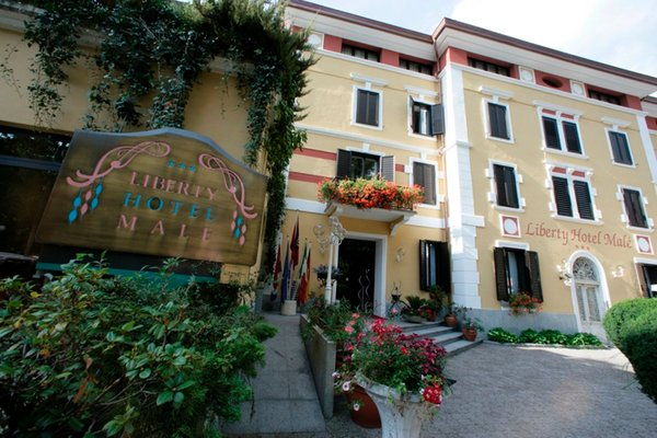 Foto esterno in estate Liberty Hotel Malé