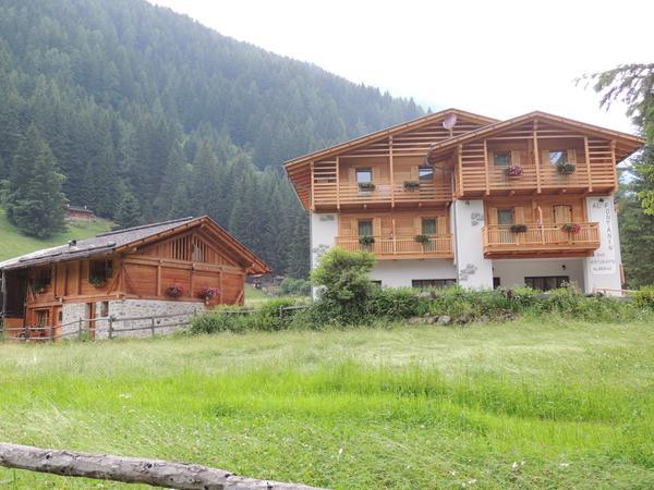 Foto estiva di presentazione Al Fontanin - Albergo