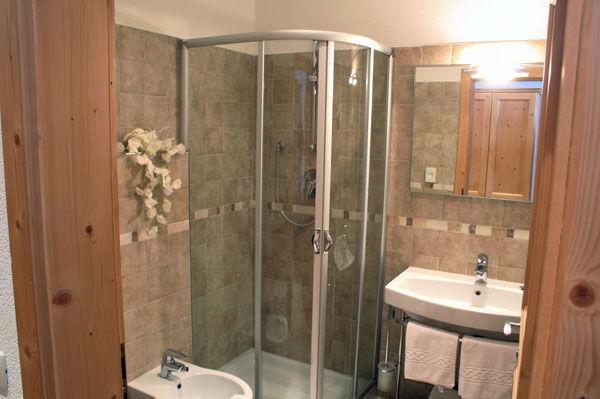 Rifugio con camere solander commezzadura val di sole - Webcam bagno gioiello ...