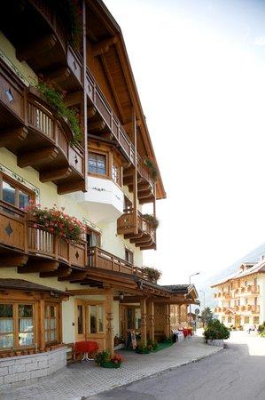 Foto estiva di presentazione Almazzago - Hotel 3 stelle