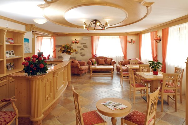 The restaurant Almazzago (Commezzadura - Daolasa) Almazzago