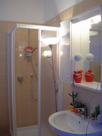 Photo of the bathroom Apartments Vacanze Casa - Marilleva 900