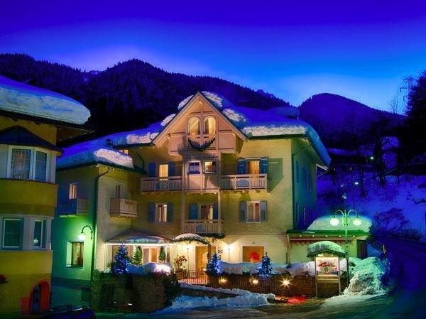 Foto invernale di presentazione Pangrazzi - Hotel 3 stelle