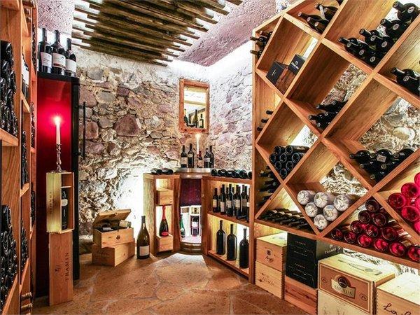 La cantina dei vini Cogolo di Peio Sport Hotel Stella Alpina