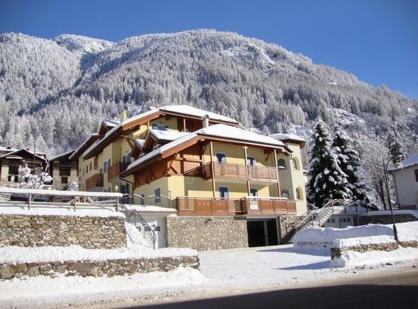 Foto invernale di presentazione Vegaia - Appartamenti 4 genziane