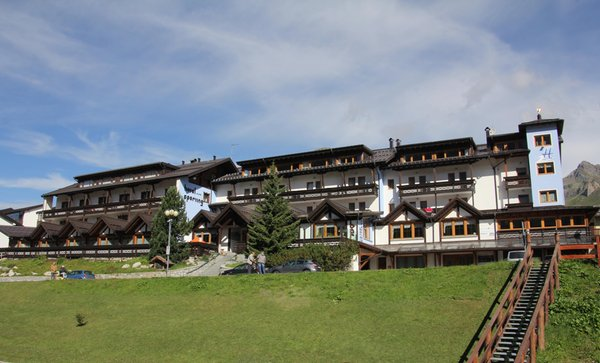 Foto estiva di presentazione Sporting - Hotel 3 stelle sup.