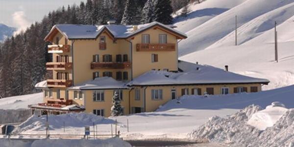 Foto invernale di presentazione Bezzi - Hotel 3 stelle