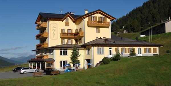 Foto esterno in estate Bezzi
