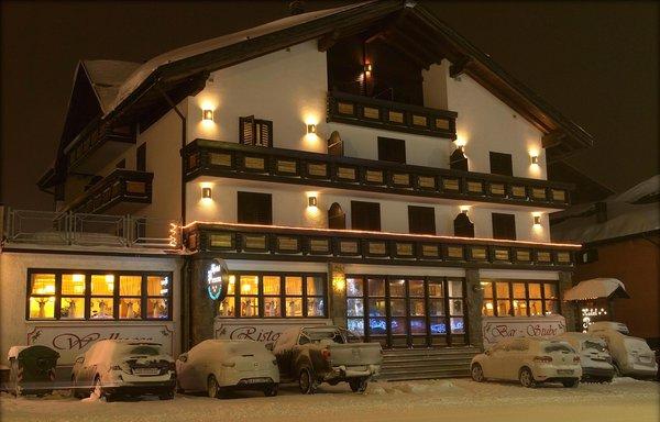 Foto invernale di presentazione Presena - Hotel 3 stelle