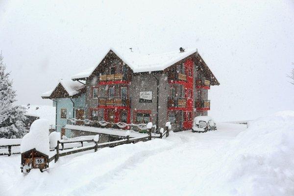 Foto esterno in inverno Baita Scaia