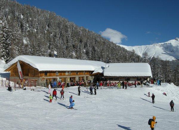 Foto invernale di presentazione Lo Scoiattolo - Rifugio con camere