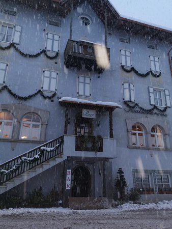Photo exteriors in winter Kaiserkrone