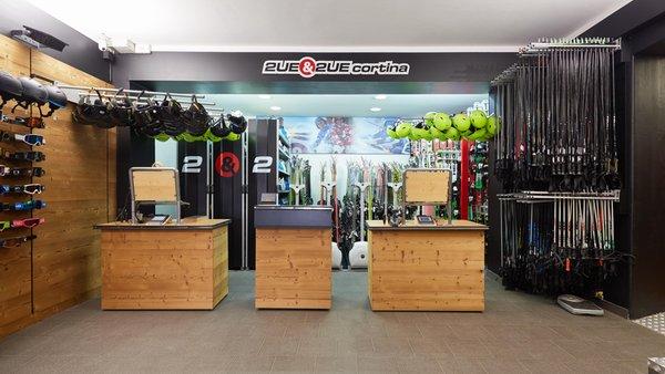 Ski rental Due & Due Cortina com.xlbit.lib.trad.TradUnlocalized@466e67f5