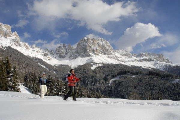 Foto invernale di presentazione Associazione turistica Tires al Catinaccio