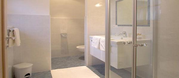 Foto del bagno Appartamenti in agriturismo Wiednerhof