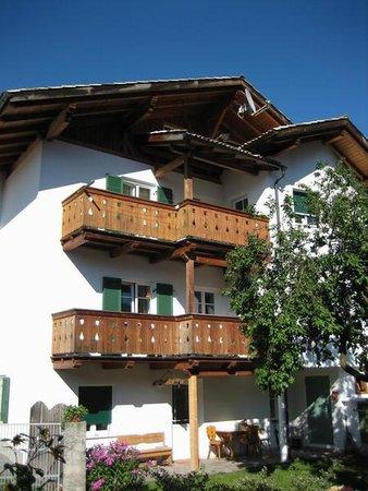 Foto estiva di presentazione Rundegg - Camere private + Appartamenti 1 sole