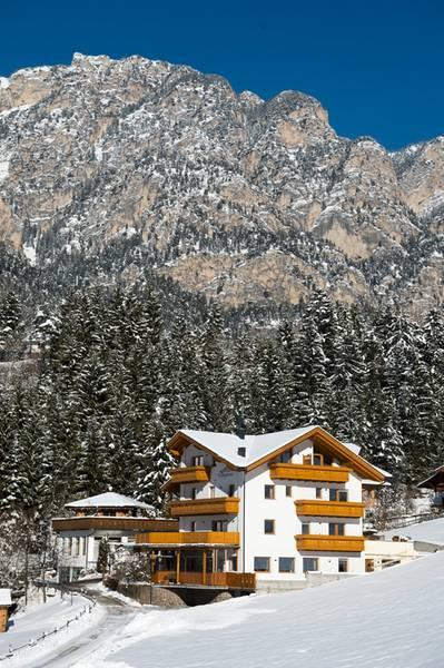 Foto esterno in inverno Rosengarten