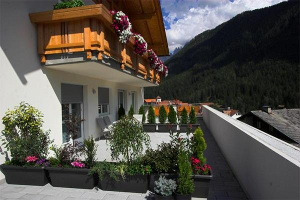 Foto estiva di presentazione Unterpraderhof - Appartamenti in agriturismo 2 fiori