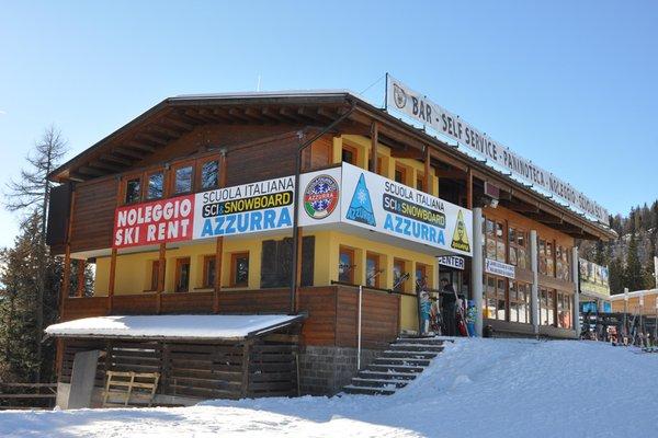 Foto esterno in inverno Azzurra