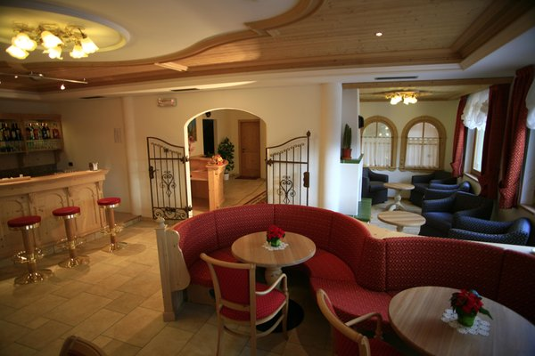 Photo of the bar B&B (Garni)-Hotel Chalet Campiglio Imperiale