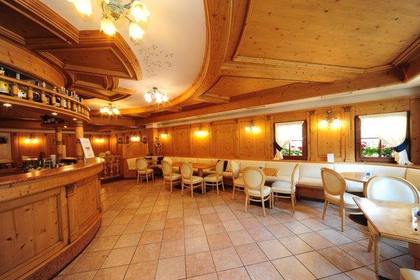 Photo of the bar Hotel Crozzon