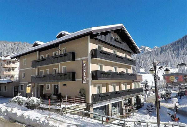 Winter presentation photo Arnica - B&B (Garni)-Hotel 3 stars