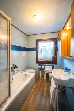 Foto del bagno Garni-Hotel Cime d'Oro