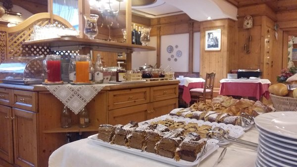 The breakfast Alpina - Hotel 3 stars