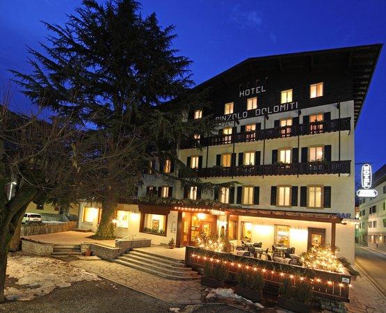 Foto invernale di presentazione Hotel Pinzolo Dolomiti