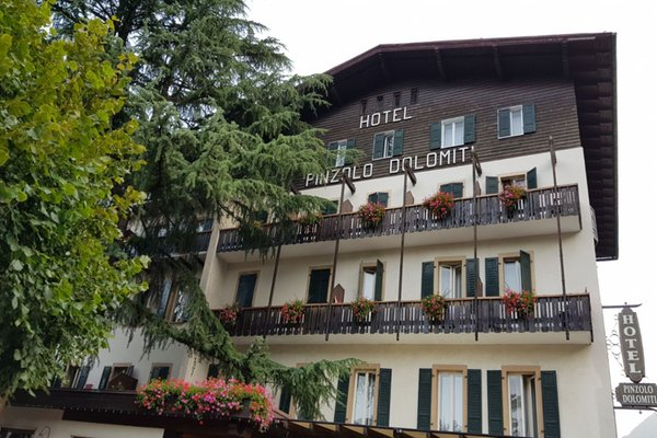 Foto estiva di presentazione Hotel Pinzolo Dolomiti