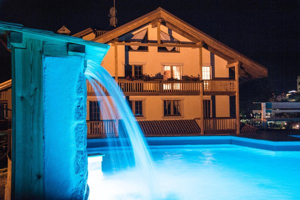 Foto Außenansicht im Sommer Holidays Dolomiti