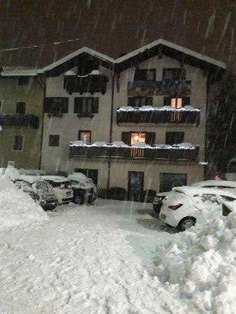 Foto esterno in inverno Casa Salvaterra